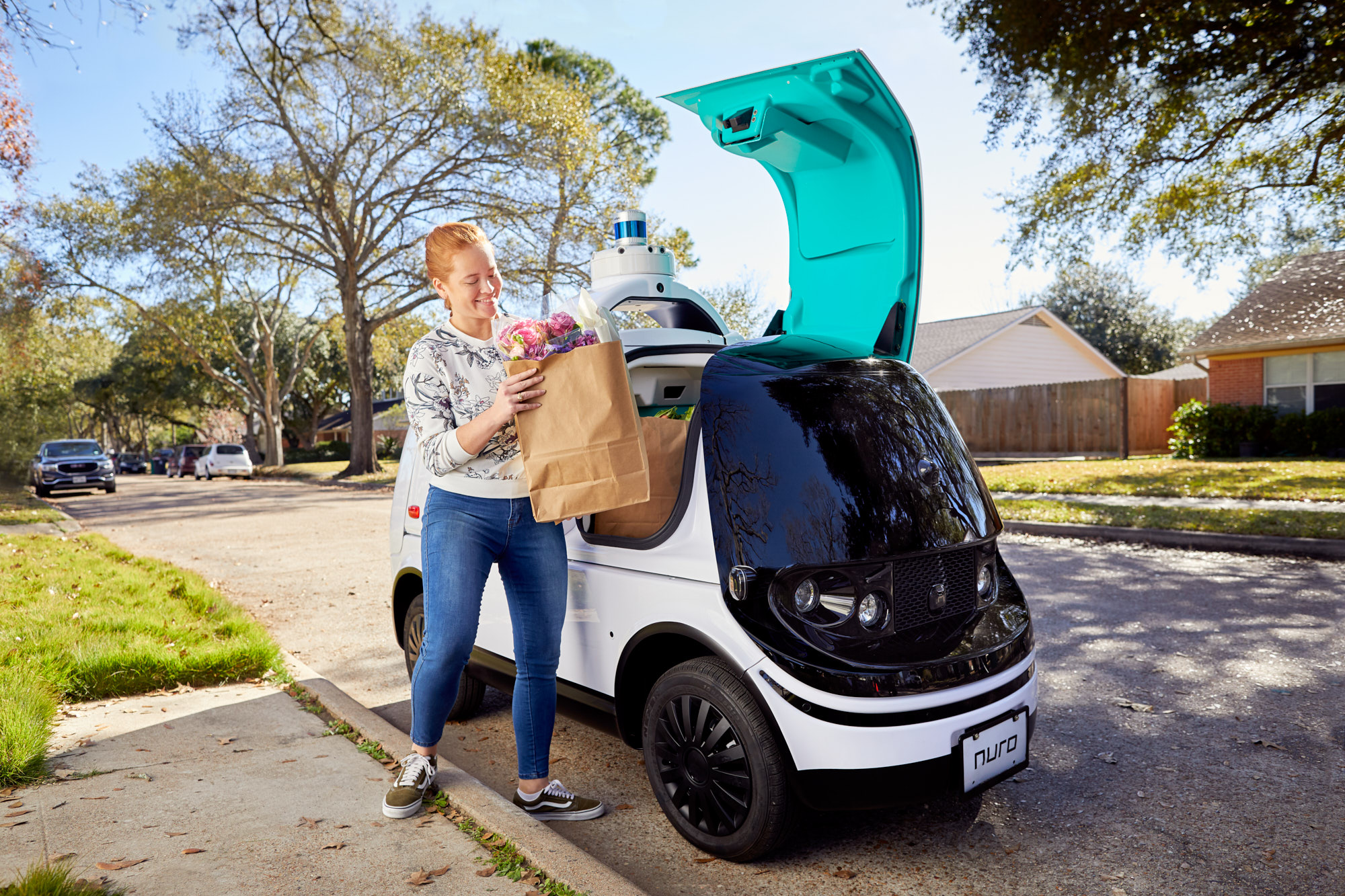 Driverless Grocery Delivery | Brand Lifestyle Photography